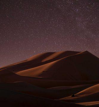 Merzouga te puede brindar una noche maravillosa en su desierto