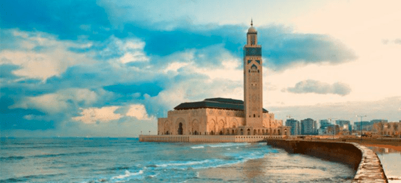La segunda Mezquita más gran del mundo arabe y en la costa despues de la Meca
