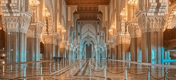En la marea alta, el agua del mar entra en el interior de la Mezquita de Hassan II