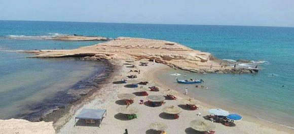 Una obra de la naturaleza se llama playa de sid el bachir en Saidia