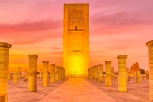 La Torre Hasán es uno de los monumentos más importantes de Rabat. tenla en cuenta al hacer tu ruta por Marruecos.