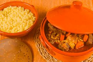 Si vas a viajar a Marruecos, procura probar un buen tajine de cordero